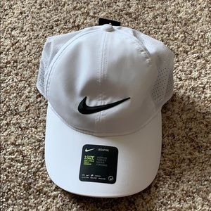 NWT Nike Golf Hat
